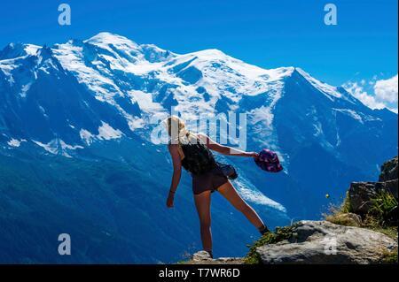 France, Haute-Savoie, Argentière, Aiguilles Rouges range, Tour du Mont Blanc, col of La Tête aux Vents, with Mt Blanc in the back - Stock Photo