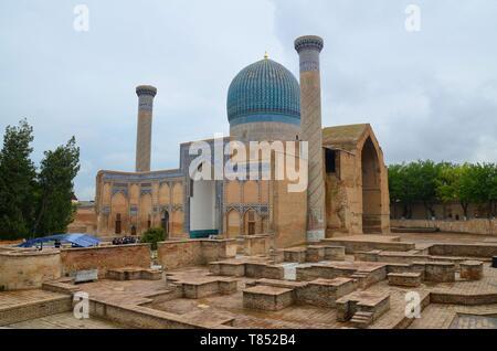 Samarkand in Usbekistan, UNESCO Weltkulturerbe an der Seidenstraße: das Gur-Emir-Mausoleum - Stock Photo