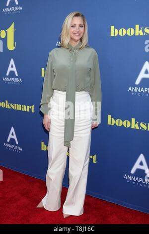 Los Angeles, CA, USA. 13th May, 2019. LOS ANGELES - MAY 13: Lisa Kudrow at the 'Booksmart' Premiere at The Theatre at Ace Hotel on May 13, 2019 in Los Angeles, CA at arrivals for BOOKSMART Screening, Ace Hotel, Los Angeles, CA May 13, 2019. Credit: Priscilla Grant/Everett Collection/Alamy Live News - Stock Photo