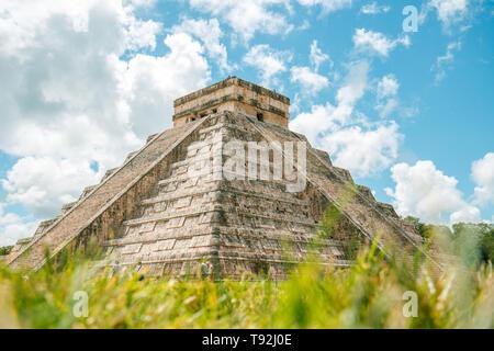 El Castillo, Chichen Itza in Mexico on a sunny day. - Stock Photo