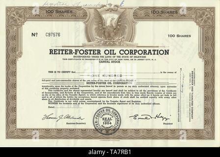 Historical stock certificate of an oil and gas company, Reiter-Foster Oil Corporation, Delaware, USA, 1958, Wertpapier, historische Aktie, Mineralöl- und Erdgasunternehmen, Reiter-Foster Oil Corporation, 1958, Delaware, USA - Stock Photo