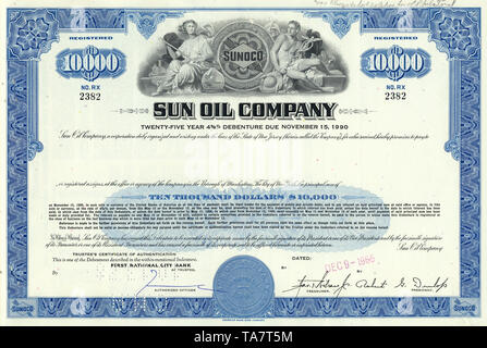 Historical stock certificate of an oil and gas company, Sun Oil Company, Ohio, USA, 1965, Wertpapier, historische Aktie, Mineralöl- und Erdgasunternehmen, Sun Oil Company, 1965, Ohio, USA - Stock Photo