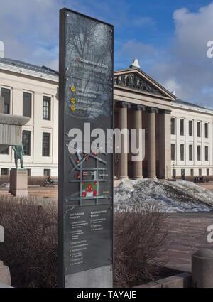 Oslo University, in Karl Johan street in the city centre, Universitetsplassen and the assembly hall, Aula, building - Stock Photo