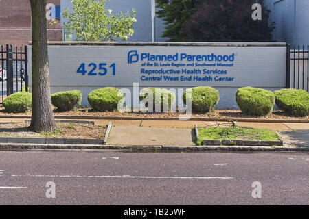 St. Louis, Missouri, USA. 29th May, 2019. Missouri could be the first state in the country to stop providing abortions if the last abortion clinic in Missouri, Planned Parenthood in St. Louis, closes at the end of the week. Credit: Steve Pellegrino/ZUMA Wire/Alamy Live News - Stock Photo