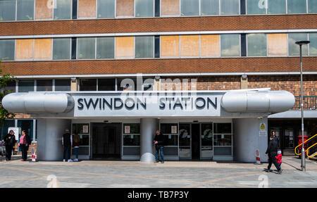 Swindon, United Kingdom - May 04 2019:   The Entrance to Swindon Station on Station Road - Stock Photo