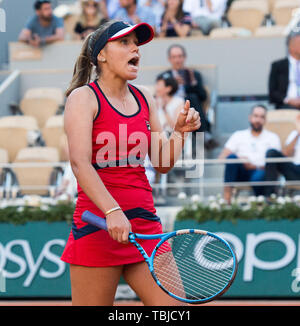Paris, France. 1st June, 2019. Sofia Kenin (USA) defeated Serena Williams (USA) 6-2, 7-5, at the French Open being played at Stade Roland-Garros in Paris, France. © Karla Kinne/Tennisclix 2019/CSM/Alamy Live News - Stock Photo