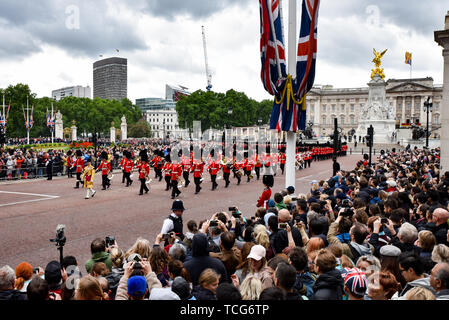 The Mall, London, UK. 8th June 2019. Trooping the Colour parade to mark the Queen's official birthday. Credit: Matthew Chattle/Alamy Live News - Stock Photo