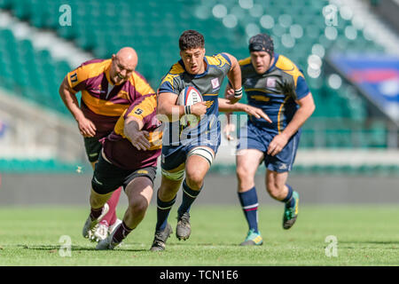 London, UK. 08th, Jun 2019. Surry's Joel Grant (centre) is tackled during Bill Beaumont County Championship Division 2 Final: Surrey v Leicestershire at Twickenham Stadium on Saturday, 08 June 2019. LONDON England .  (Editorial use only, license required for commercial use. No use in betting, games or a single club/league/player publications.) Credit: Taka G Wu/Alamy Live News - Stock Photo