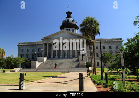 The South Carolina State House, seen here, is home to the General Assembly and contains the offices of the Governor and Lieutenant Governor - Stock Photo