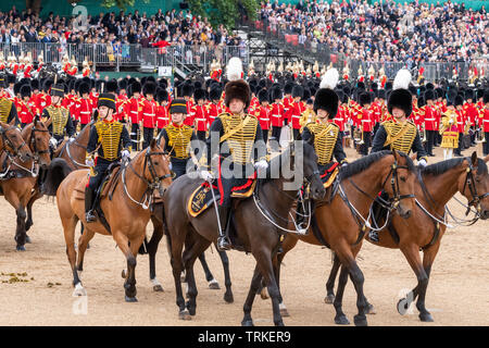 London, UK. 8th June 2019 Trooping the Colour 2019, The Queen's Birthday parade on Horseguards Parade London in the presence of Her Majesty The Queen.  Colour trooped by the 1st Battalion Grenadier Guards  Royal Horse Artillery Credit Ian Davidson/Alamy Live News - Stock Photo