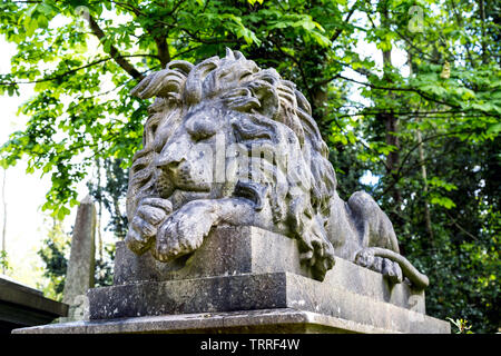 George Wombwell's tomb with a sculpture of his lion Nero on top at Highgate West Cemetery, London, UK - Stock Photo