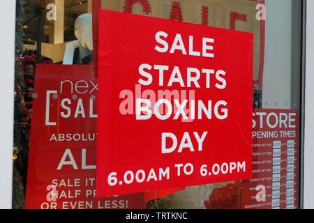 Boxing Day sales and shoppers in Cheltenham. 26/12/2018  Picture by Andrew Higgins - Thousand Word Media, NO SALES, NO SYNDICATION. Contact for more i - Stock Photo