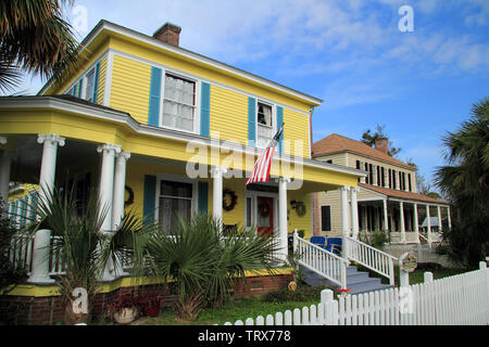 The St. Marys Historic District, located in the state of Georgia, is notable for its significant collection of old homes and businesses - Stock Photo