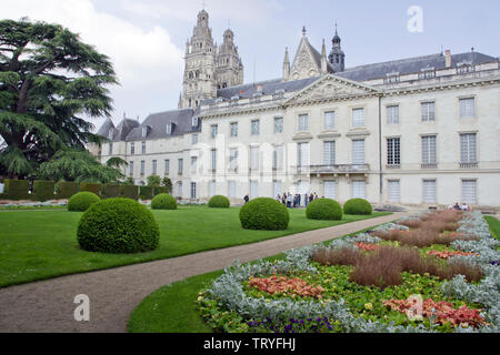 The art museum and its grounds in Tours - Stock Photo
