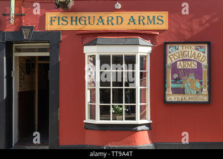 Fishguard Arms, colourful and traditional public house or pub in the Welsh town on Fishguard, Pembrokeshire, Wales, UK - Stock Photo