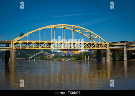 The Fort Duquesne bridge, crossing the Allegheny River, and the North Shore of Pittsburgh, Pennsylvania. - Stock Photo