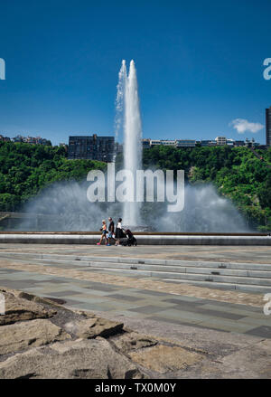 The fountain at Point State Park, Pittsburgh, Pennsylvania, sits at the confluence of the Allegheny, the Monongahela, and the Ohio Rivers. - Stock Photo