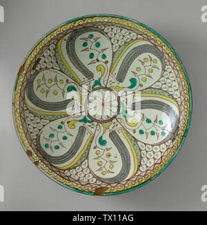 'Ceramic Vessel (image 2 of 2); English:  Morocco, Fez, late 18th century Furnishings; Serviceware Ceramic The Madina Collection of Islamic Art, gift of Camilla Chandler Frost (M.2002.1.310) Islamic Art; Late 18th century; ' - Stock Photo