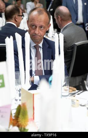 24 June 2019, North Rhine-Westphalia, Duesseldorf: The CDU politician Friedrich Merz sits at his table at the Ständehausreff of the 'Rheinische Post'. Photo: Henning Kaiser/dpa - Stock Photo