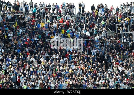 Sao Paulo, Brazil. 06th July, 2019. Fans await before the Copa America 2019 3rd place soccer match between Argentina and Chile, at Arena Corinthians Stadium in Sao Paulo, Brazil, 6 July 2019. Credit: Sebastiao Moreira/EFE/Alamy Live News - Stock Photo