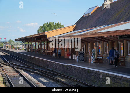Minehead heritage railway station platform - Stock Photo