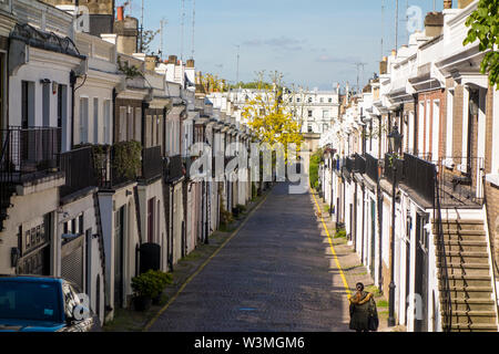 Holland Park Mews, Royal Borough of Kensington and Chelsea, London, UK - Stock Photo