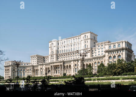 The Palace of the Parliament, Bucharest, Romania, the world's 2nd largest building, designed in 1984 for the Communist dictator Nicolae Ceaușescu - Stock Photo