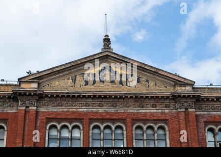 Close up of roof in Inner courtyard at Victoria & Albert Museum, Cromwell Road London SW7 UK - Stock Photo