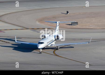Gulfstream G-IV luxury business jet N67TM at McCarran International Airport Las Vegas. - Stock Photo