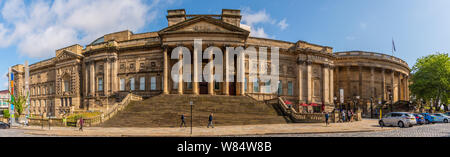 World Museum, Central Library, Walker Art Gallery in William Brown Street, Liverpool - Stock Photo