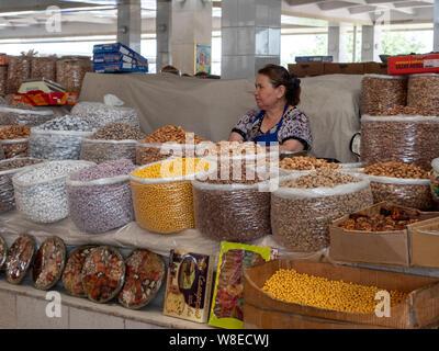 Auf dem Basar, Samarkand, Usbekistan, Asien  Bazaar in Samarkand, Uzbekistan, Asia - Stock Photo