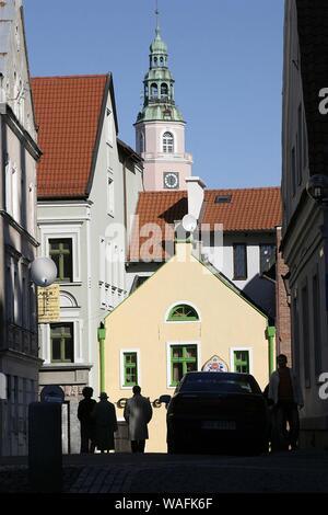 Olsztyn, biggest town of the Warmian-Masurian Province, North-Eastern Poland. Old town, Wlodarczyka street, view at the town hall tower 2004 phot. Darek Szczygielski/FORUM - Stock Photo