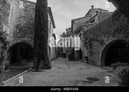 Pals, Medieval town in Catalonia,  Spain - Stock Photo