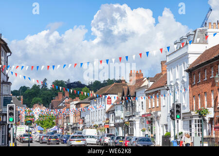 6 June 2019: Henley on Thames,Oxfordshire - Hart Street, one of the main shopping streets in Henley, with traffic filling the street. - Stock Photo