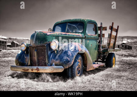 alter rostiger Truck in Bodie, USA - Stock Photo