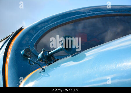 Close up of Class 55 Deltic 55019 Royal Highland Fusilier showing the windscreen and horn - Stock Photo
