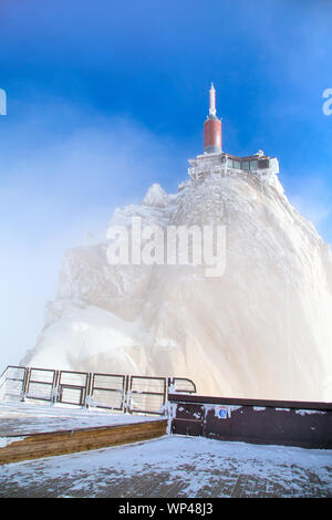 The mountain top station of the Aiguille du Midi in Chamonix, France in the fog - Stock Photo