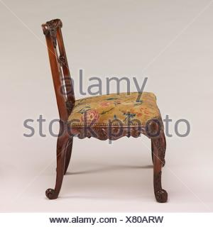 Side chair (one of a pair). Date: ca. 1735-40; Culture: British; Medium: Mahogany; Dimensions: 36 x 26 x 25 1/2 in. (91.4 x 66 x 64.8 cm); - Stock Photo