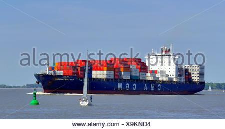 Containerfrachter CMA CGM Sambhar auf der Unterelbe bei Stadersand, Deutschland, Niedersachsen, Stade | container ship CMA CGM S - Stock Photo