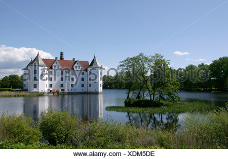 Europe Germany Schleswig-Holstein Baltic Sea Glücksburg moated castle castle - Stock Photo
