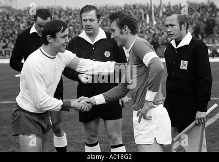 football, Bundesliga, 1969/1970, Rot-Weiss Oberhausen versus FC Schalke 04 0:3, Niederrhein Stadium, referee team, - Stock Photo