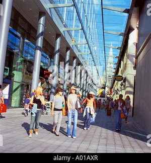 Spitalfields Market Architect Norman Foster redevelopment covered area One Bishops Square London, UK KATHY DEWITT - Stock Photo