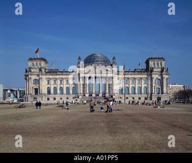 Platz der Republik, Reichstagsgebaeude, Sitz Deutscher Bundestag, Parlamentsgebaeude, Neorenaissance, Architekt - Stock Photo