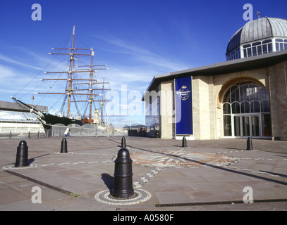 dh RRS Discovery DUNDEE ANGUS rrs discovery point capt scotts antarctica ship scott museum scotland - Stock Photo