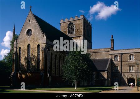 Jesus College Chapel and Cloister, University of Cambridge - Stock Photo
