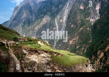 Aug 10, 2006 - Naxi village at Tiger Leaping Gorge in the Chinese province of Yunnan. - Stock Photo