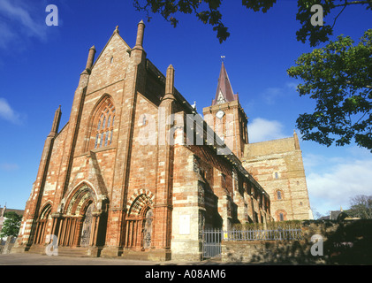 dh St Magnus Cathedral KIRKWALL ORKNEY Norse Viking cathedral exterior uk orkneys - Stock Photo