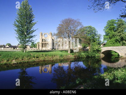 dh Elgin cathedral ELGIN MORAY Cathedral and River Lossie scotland - Stock Photo