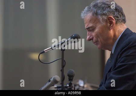 Presidential Candidate Ralph Nader speaking in New York City 2004 - Stock Photo