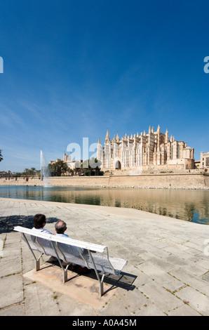 Cathedral and Parc de la Mar in the winter season, Palma, Mallorca, Balearic Islands, Spain - Stock Photo